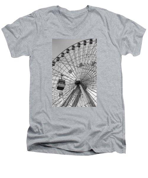 Texas Star Ferris Wheel Men's V-Neck T-Shirt