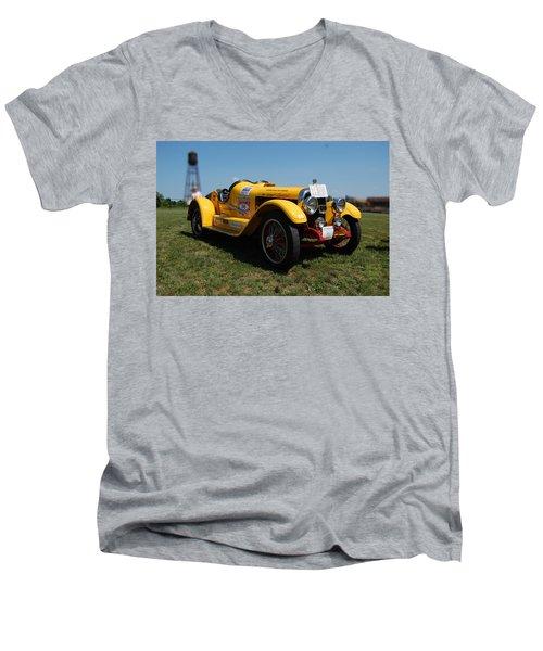 The Mercer Raceabout Roadster Men's V-Neck T-Shirt