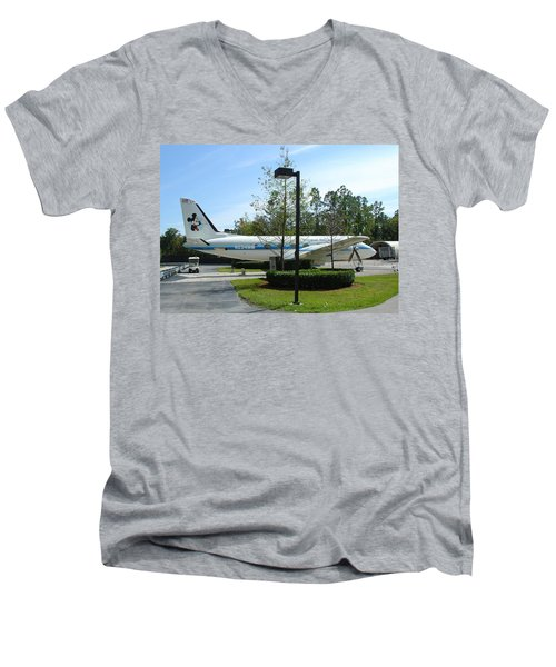 Men's V-Neck T-Shirt featuring the photograph The Mouse by David Nicholls