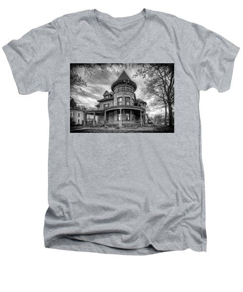 The Old House 2 Men's V-Neck T-Shirt