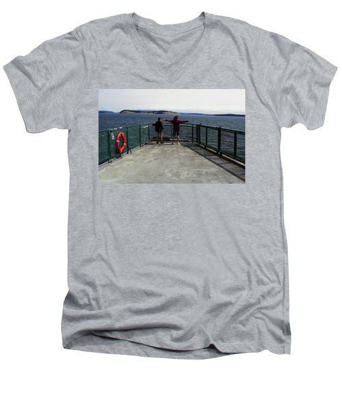 Titanic Influence Men's V-Neck T-Shirt