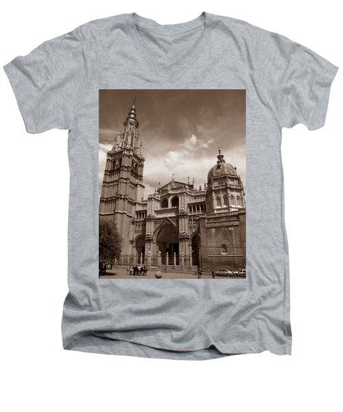 Toledo Cathedral Men's V-Neck T-Shirt