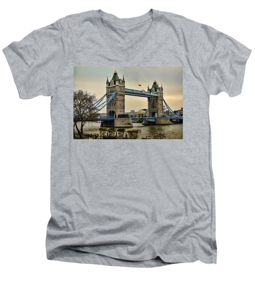 Tower Bridge On The River Thames Men's V-Neck T-Shirt
