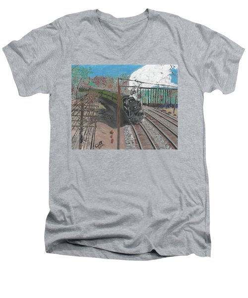 Train 641 Men's V-Neck T-Shirt