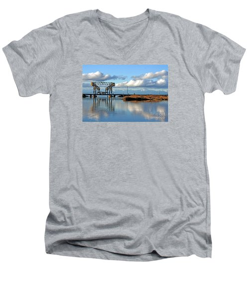 Train Bridge Men's V-Neck T-Shirt