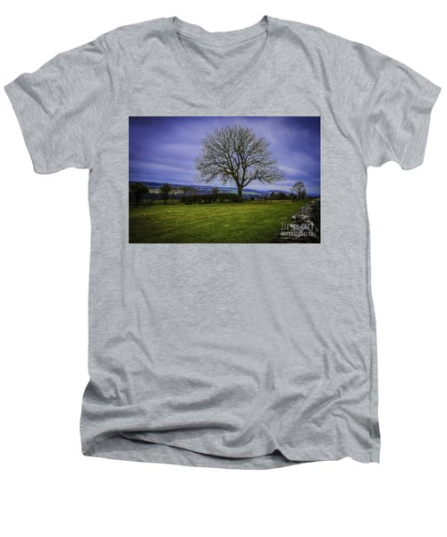 Tree - Hadrian's Wall Men's V-Neck T-Shirt
