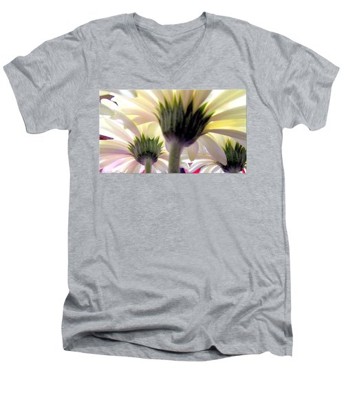 Tribute To Daisies Men's V-Neck T-Shirt