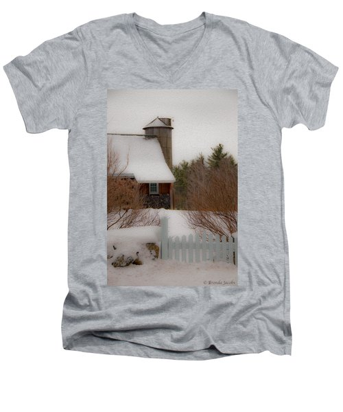 Tuftonboro Farm In Snow Men's V-Neck T-Shirt