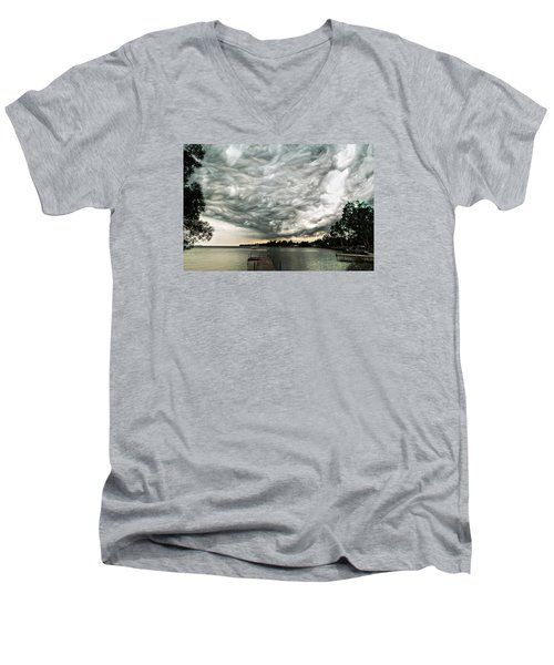 Turbulent Airflow Men's V-Neck T-Shirt