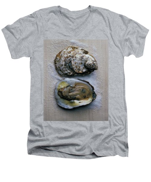 Two Oysters Men's V-Neck T-Shirt
