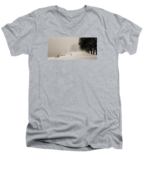 Vancouver Winter Men's V-Neck T-Shirt