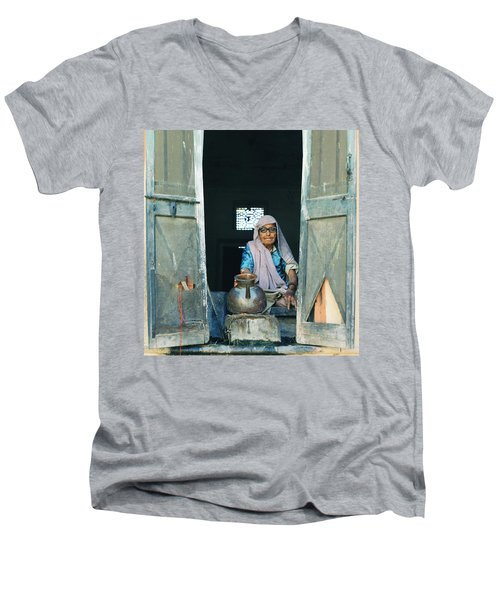 Varanasi Water Seller Men's V-Neck T-Shirt