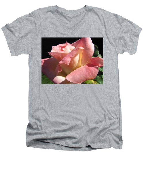 Men's V-Neck T-Shirt featuring the photograph Victorian Beauty by Jennifer Wheatley Wolf