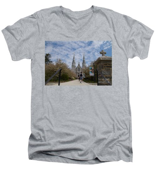 Villanova College Men's V-Neck T-Shirt
