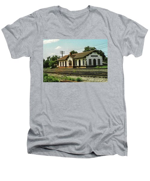 Villisca Train Depot Men's V-Neck T-Shirt