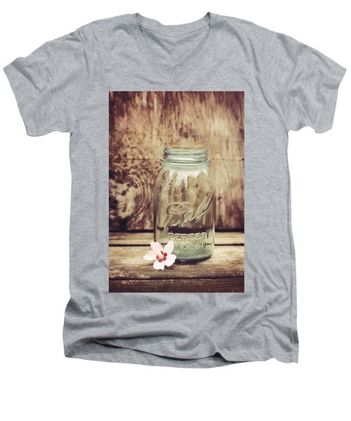 Vintage Ball Mason Jar Men's V-Neck T-Shirt
