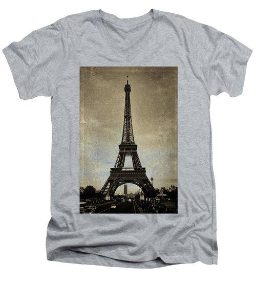Vintage Eiffel Bronze Men's V-Neck T-Shirt
