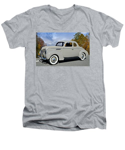 Vintage Ford Men's V-Neck T-Shirt