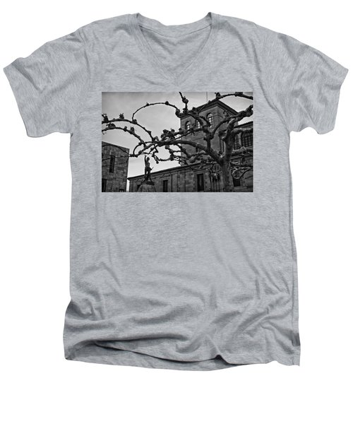 Viriato Men's V-Neck T-Shirt