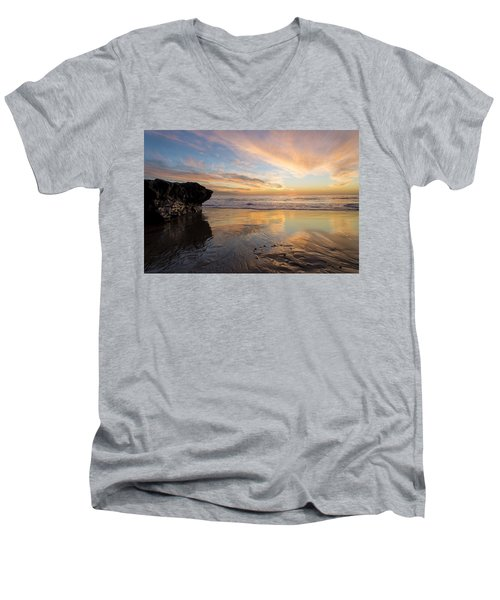 Warm Glow Of Memory Men's V-Neck T-Shirt