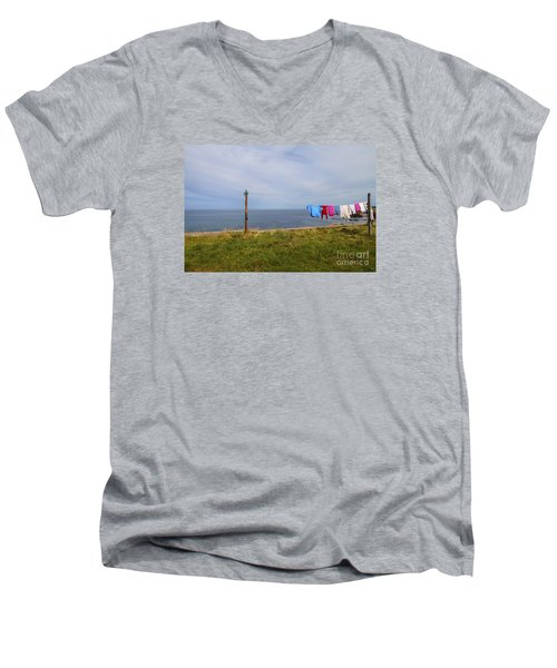 Washing Day Men's V-Neck T-Shirt