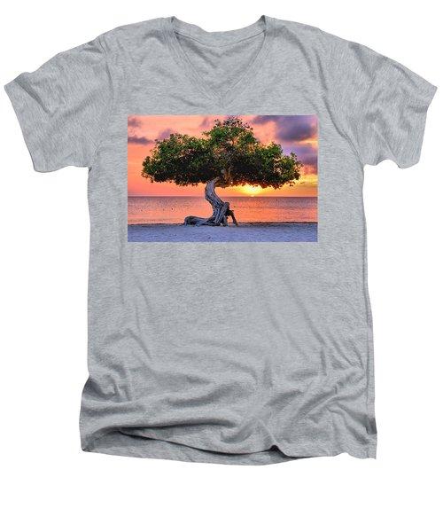 Watapana Tree - Aruba Men's V-Neck T-Shirt