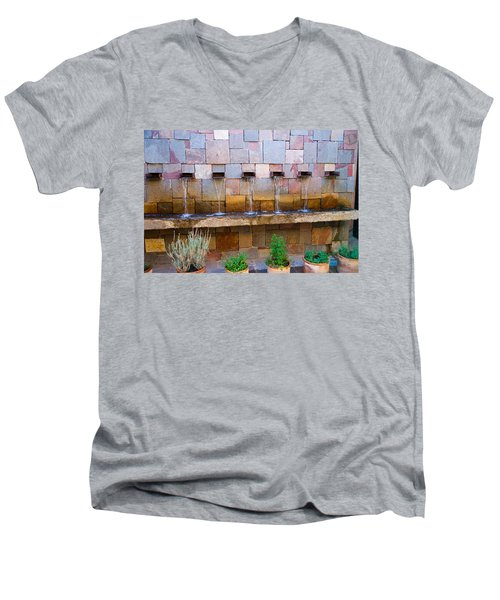 Water Art Men's V-Neck T-Shirt