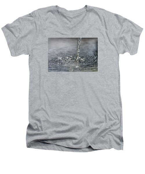 Water Beam Splashing Men's V-Neck T-Shirt