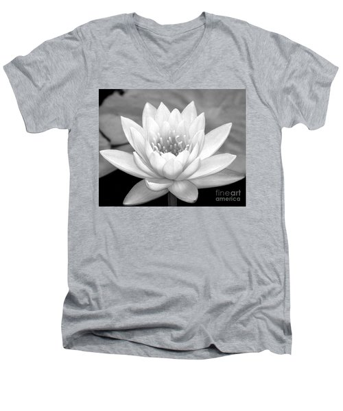 Water Lily In Black And White Men's V-Neck T-Shirt