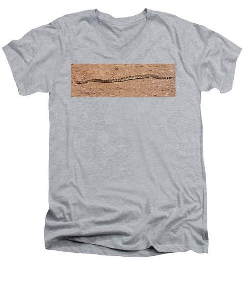 Western Diamondback Rattle Snake Men's V-Neck T-Shirt