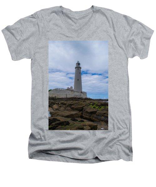 Whitley Bay St Mary's Lighthouse Men's V-Neck T-Shirt