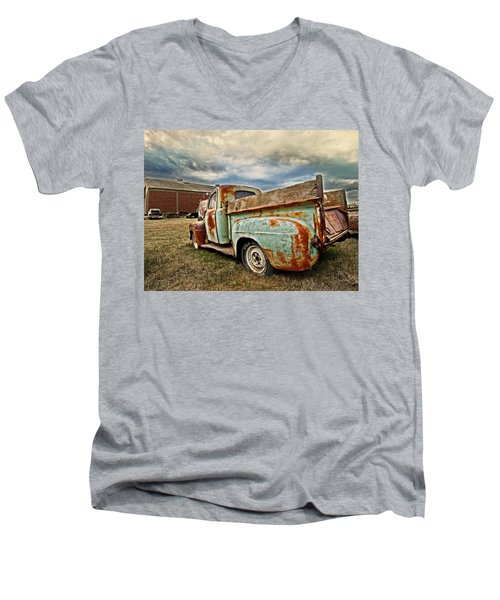 Wild Country Men's V-Neck T-Shirt