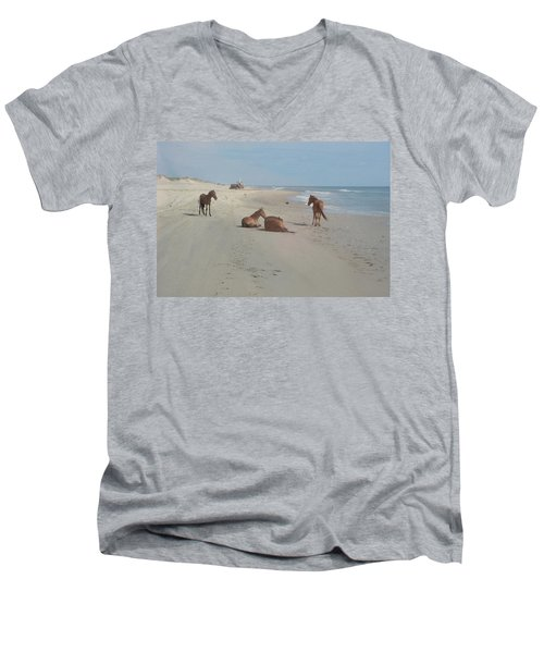 Wild Horses On The Beach Men's V-Neck T-Shirt