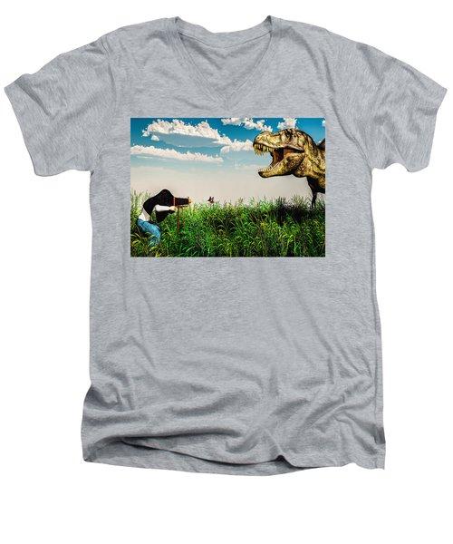 Wildlife Photographer  Men's V-Neck T-Shirt