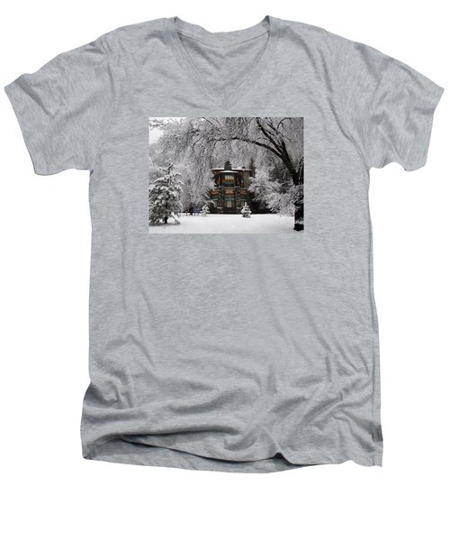 Winter At The Ahwahnee In Yosemite Men's V-Neck T-Shirt by Carla Parris