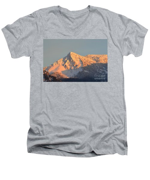 Winter Men's V-Neck T-Shirt