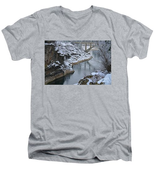 Winter Fashion Men's V-Neck T-Shirt