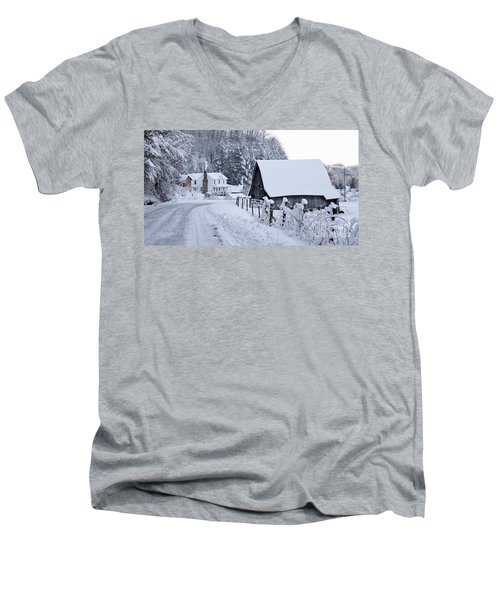 Winter In Virginia Men's V-Neck T-Shirt by Benanne Stiens