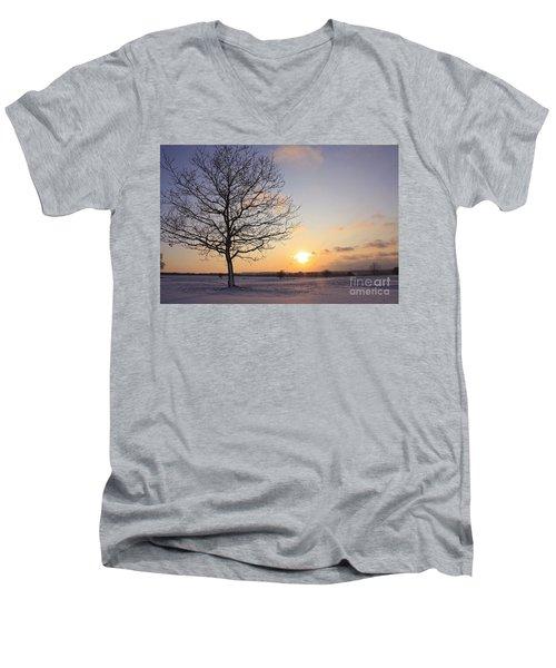 Winter Sunset Uk Men's V-Neck T-Shirt