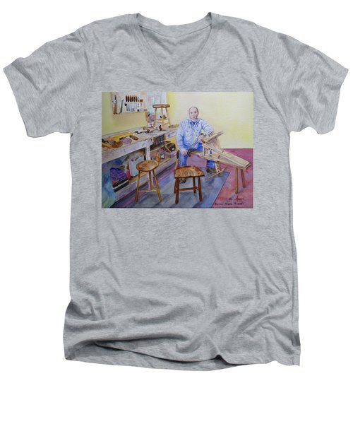 Woodworker Chair Maker Men's V-Neck T-Shirt