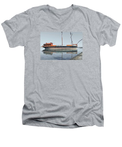 Wreck Reflection Men's V-Neck T-Shirt
