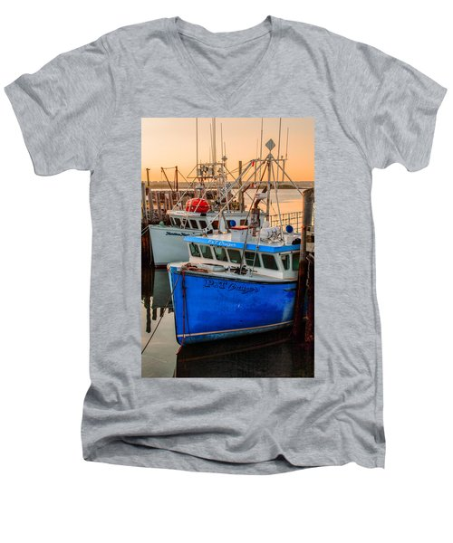 Yarmouth Harbour Men's V-Neck T-Shirt