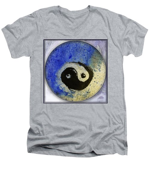 Yin Yang Painting Men's V-Neck T-Shirt