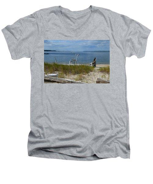 Yorktown Va Beach Men's V-Neck T-Shirt
