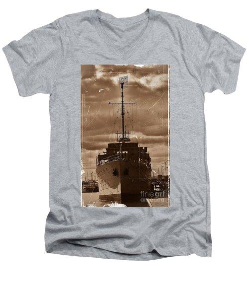 Men's V-Neck T-Shirt featuring the photograph Hmas Castlemaine by Blair Stuart