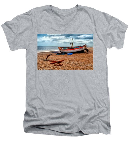 Aldeburgh Fishing Boat Men's V-Neck T-Shirt
