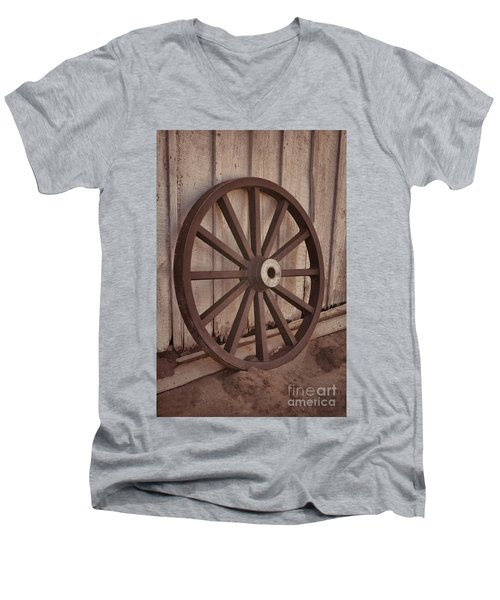 An Old Wagon Wheel Men's V-Neck T-Shirt