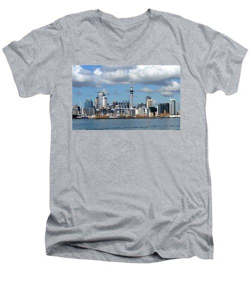 Auckland Skyline Men's V-Neck T-Shirt