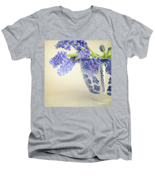 Blue Muscari Flowers In Blue And White China Cup Men's V-Neck T-Shirt