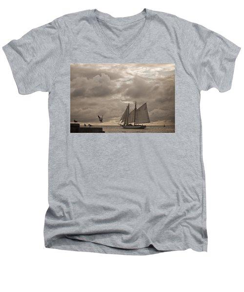 Chasing The Wind Men's V-Neck T-Shirt